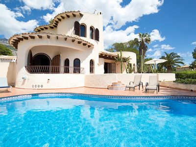 Photo for This 2-bedroom villa for up to 4 guests is located in Altea and has a private swimming pool, air-con