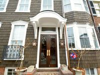 Heart of Annapolis, lovely home for large group