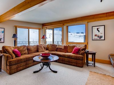 Photo for Top Floor With Breathtaking Views, Ski-in/Ski-out 2 Br Condo