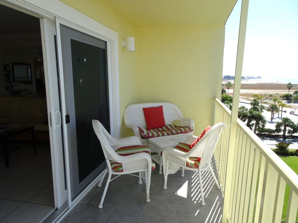 5th floor END UNIT Condo DIRECTLY ON THE BEACH facing TOTALLY GULF ...