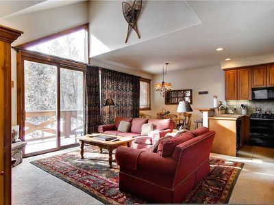 Photo for Private Hot Tub, Mountain Views, Vaulted Ceilings, Close to Hiking Trails