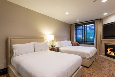 Luxury Resort Ski In/Out Two Queen Room