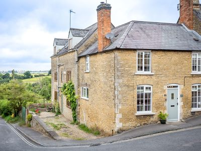 Photo for The Smithy is a beautiful Cotswold stone cottage, located on a quaint street in Chipping Norton