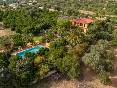 Photo for Authentic Portuguese villa, stunning tropical garden and great pool.