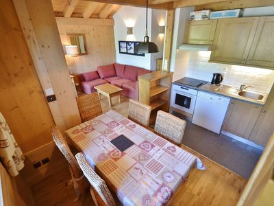Photo for Lovely 3 bed apt + mezzanine for up to 6 next the pistes!