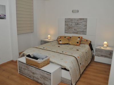 Photo for Grace-Lisbon apartment with wi-fi, air conditioning, BBQ and full kitchen