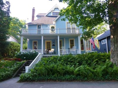 Photo for Beautifully Renovated Victorian Cottage in Historic Bay View