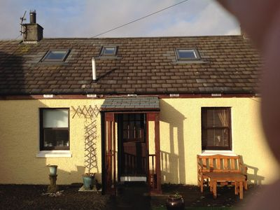 Photo for Cosy cottage in the heart of Bowmore