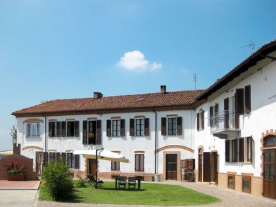 Photo for 2 bedroom Villa, sleeps 4 in Cossombrato with Air Con and WiFi