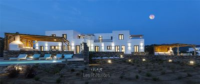 Photo for The Thebaids 1, directly on the beach of Plaka with private pool