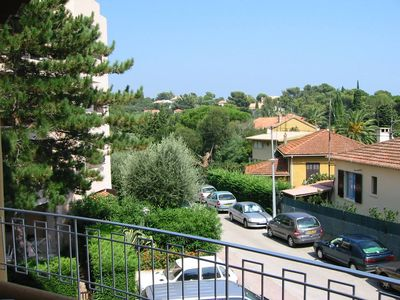 Photo for Air-conditioned apartment, ideally located, beautiful quiet and sunny terrace