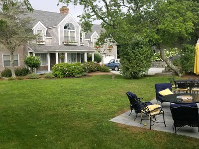 Cliff Area- Short walk to downtown, 4 Br lg suites, Big yard, patio / fire pit.