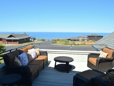 NEW on VRBO!!  Luxurious Home with Ocean Views!