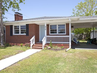 Photo for **Carolina Beach Bungalow ** Adorable 2 bed/2 bath house in PRIME location!