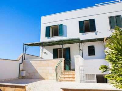 Photo for Villa with garden, 3 bedrooms, holidays in Torre Lapillo