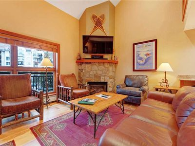 Photo for Condo in ski-in/ski-out complex & mountain views, shared pool/hot tub
