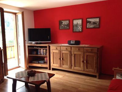 Photo for Cozy, spacious and bright apartment on the top floor at the foot of Mont Blanc