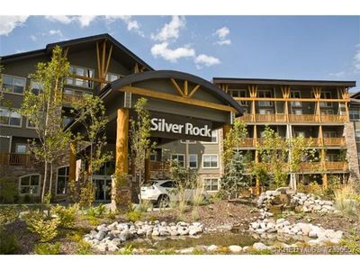 Photo for Fernie Condo W. Indoor Pool, Steam Room and Outdoor Hot Tub 5 Mins To Ski Hills