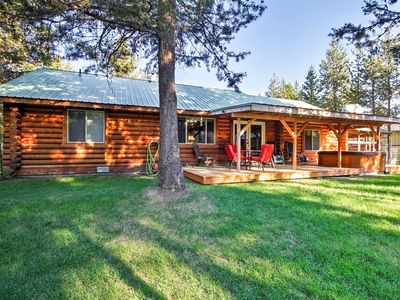 Photo for Pet-Friendly Bend Area Cabin w/Hot Tub & Fire Pit!