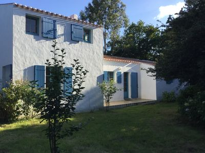Photo for Charming family house, large garden, quiet, near beaches and shops