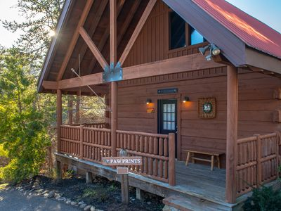 Photo for Three-story luxury cabin w/ private hot tub & shared seasonal pool