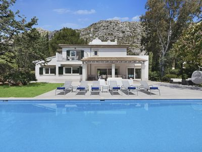 Photo for Luxury 5 bedroom villa with large private swimming pool, perfect in every way for all the family