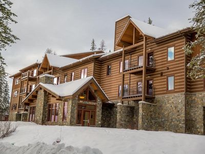 Photo for 3 bedroom ski access condo at the Pines. Wonderful views.