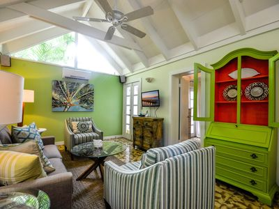 Photo for Ann Street Cottage: A bright and airy home near Duval Street