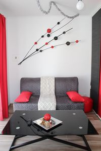 Photo for Red Studio with private patio, 200 meters, 3 min by foot Beach of Peniche
