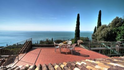 Photo for Villa  in the green, extraordinary silent position, great lake view