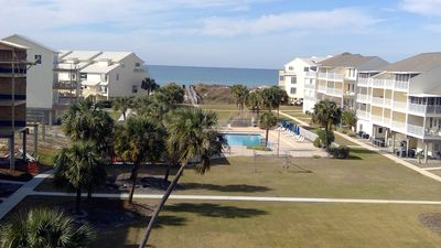 Photo for Gulf View-Booking Spring/Summer/dog friendly/community pool/ steps to beach