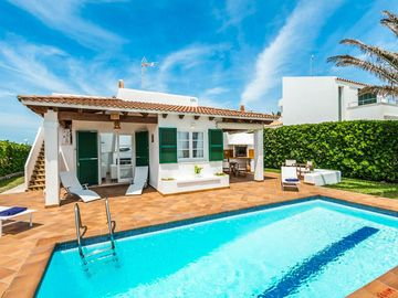 Search 715 holiday lettings