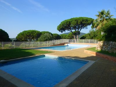 Photo for Pretty 2 bed villa in Ste Maxime, looking over gulf of St Tropez
