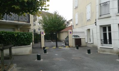 Photo for CLOSED APARTMENT 6 BEDS NEAR PARIS
