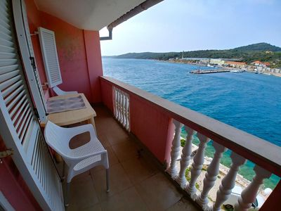 Photo for One bedroom apartment with balcony and sea view Sali, Dugi otok (A-443-d)