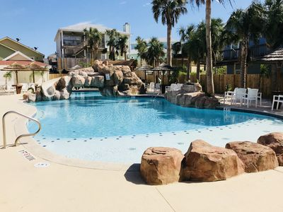 Photo for BEACH-I-LICIOUS! Saltwater Resort Pool, BBQ Area, WiFi, Private Patios!