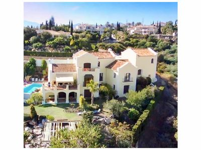 Photo for MAGNIFICENT 5 bedroom Villa, panoramic southerly views, Marbella area.