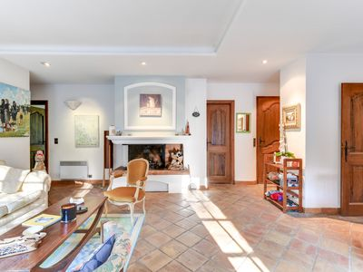 Photo for Charming provençale villa with a large garden and a pool in Mougins
