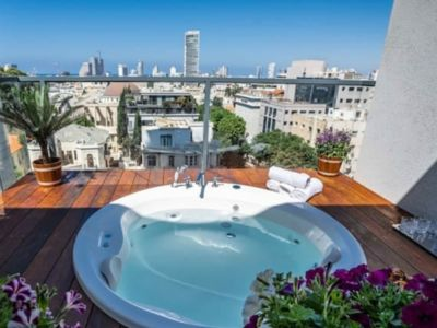 Photo for Luxury penthouse with Jacuzzi on Rothschild