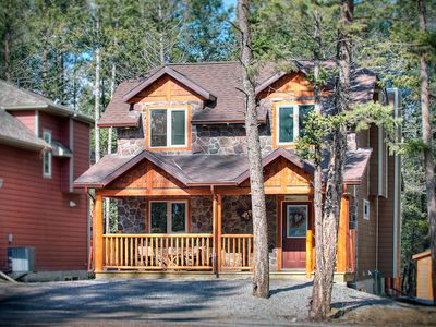 Photo for Black Bear Cottage - Radium Hot Springs pool passes incl.  Stay 3 nights Pay 2**