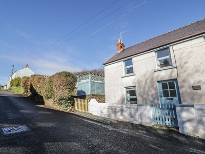 Photo for OLD POST COTTAGE, pet friendly in St. Ishmaels, Ref 970922