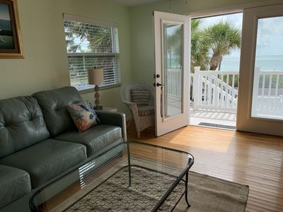 Photo for Pass-a-Grille a Gulf front/Free WIFI/Beach Bicycles/Grill/Pool!