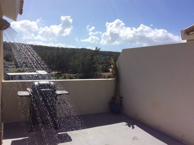 Outdoor shower and BBQ facing the mountains.... still in 2nd Floor