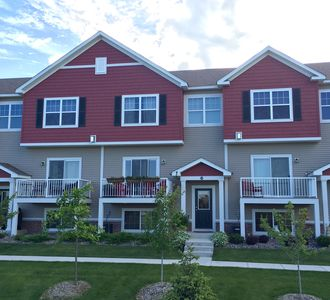 Photo for Lovely Town Home In Chanhassen Just Minutes From Ryder Cup Entrance!