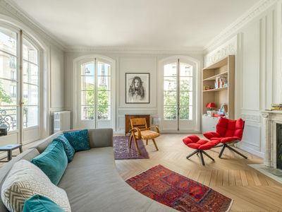 Photo for Avenue Frédéric le Play - luxury 4 bedrooms serviced apartment - Travel Keys