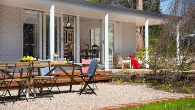 Photo for 5BR House Vacation Rental in Trentham, VIC
