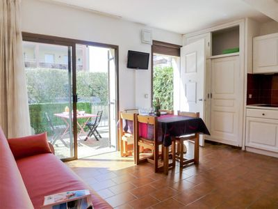 Photo for Apartment Les Coralines in Sainte Maxime - 2 persons, 1 bedrooms