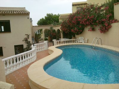 Photo for Villa with pool up to 11 people