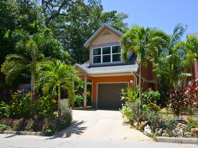 Photo for The Palms. 5 minute walk from West Bay Beach. This 2 bedroom retreat sleeps 8.