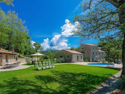 Photo for Wonderful private villa for 16 people with private pool, A/C, WIFI, TV, pets allowed and parking